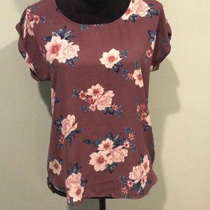 🦋3/$10 - Floral top
